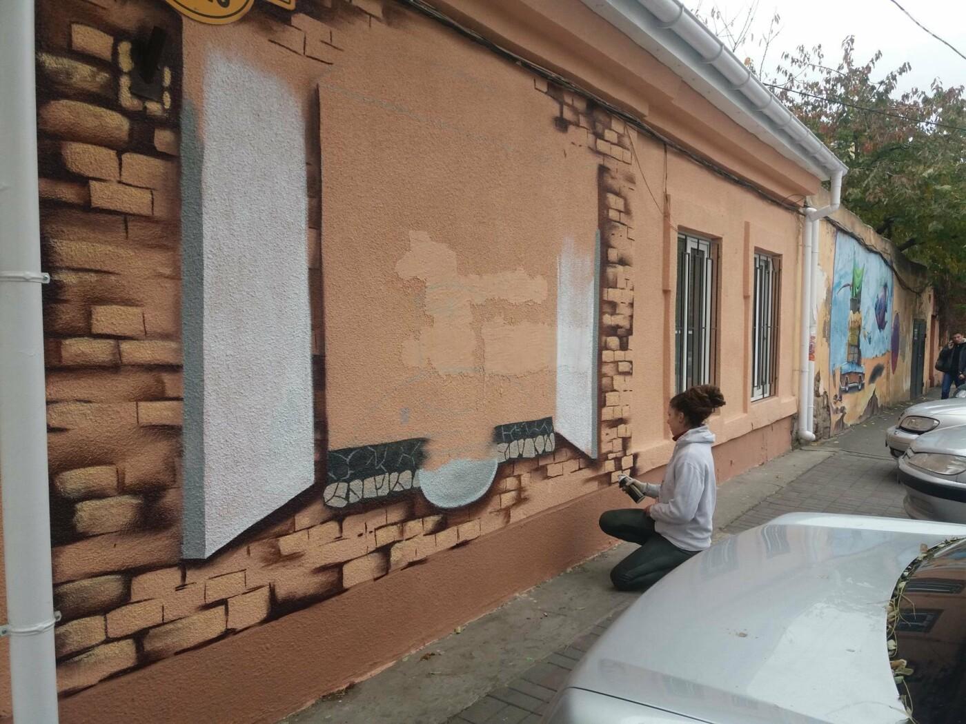 В центре Одессы обычную булочную превращают в шедевр граффити (ФОТО, ВИДЕО), фото-1