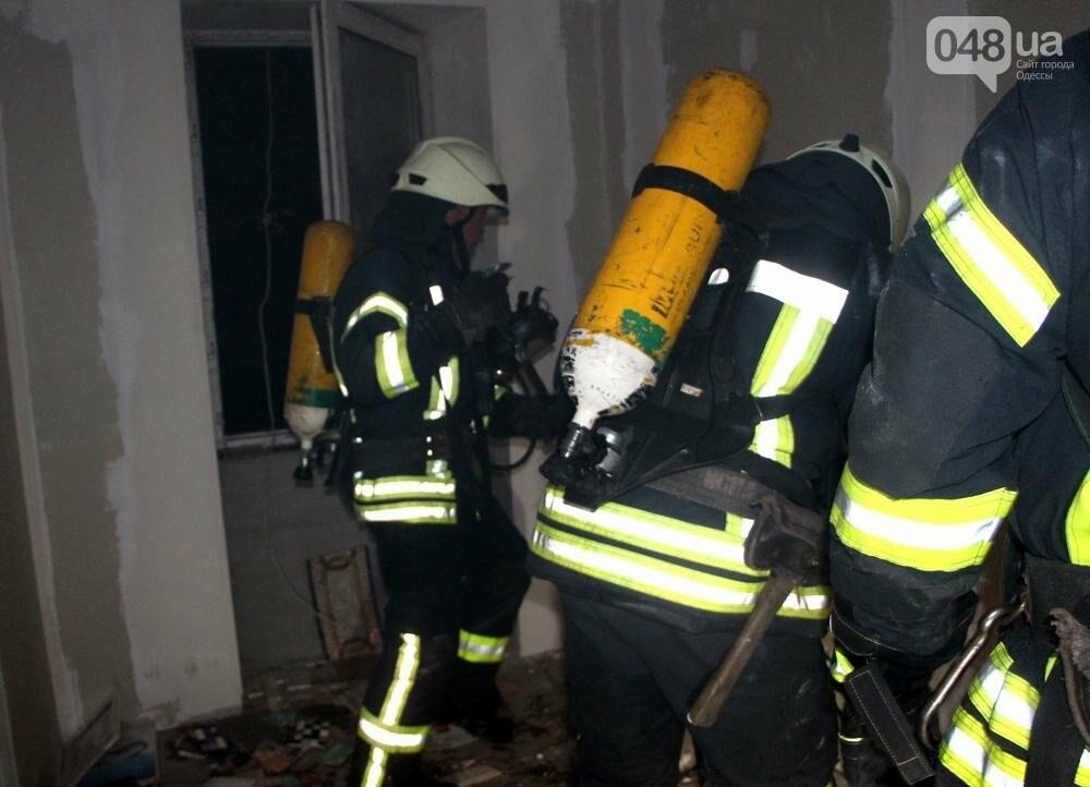 Одесса в огне: В центре города горел памятник архитектуры (ФОТО, ВИДЕО), фото-2