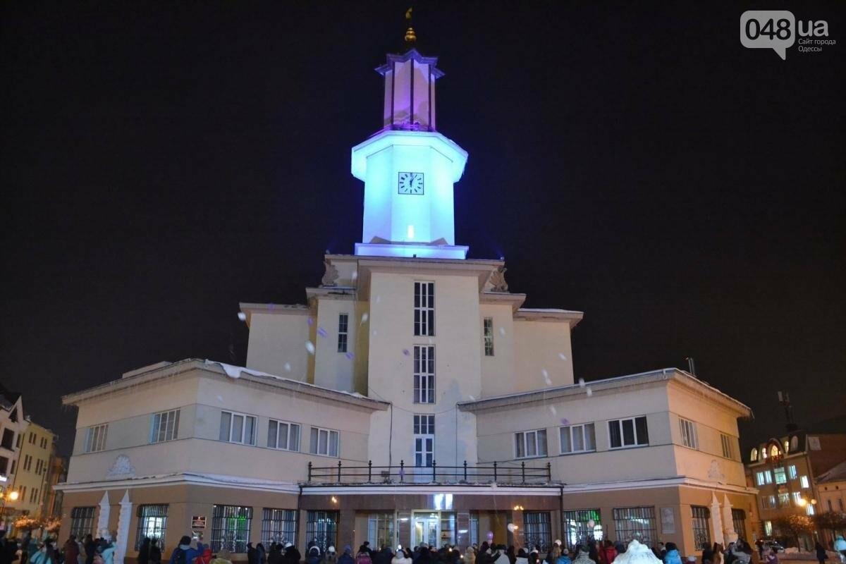 В Одессе здания символично подсветят фиолетовым (ФОТО), фото-1