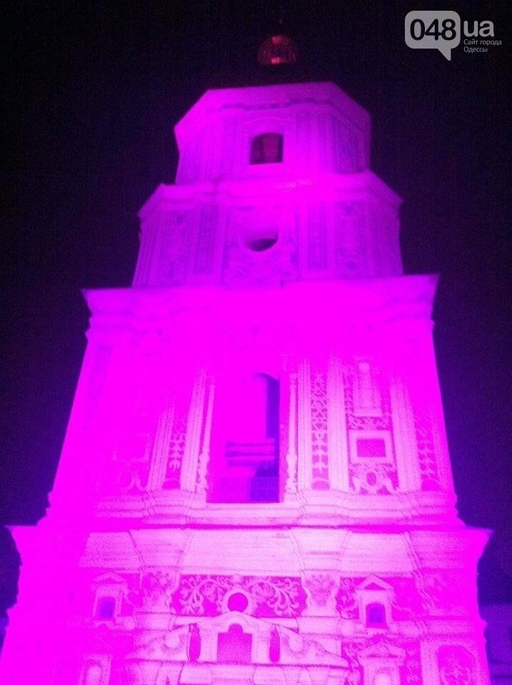 В Одессе здания символично подсветят фиолетовым (ФОТО), фото-3