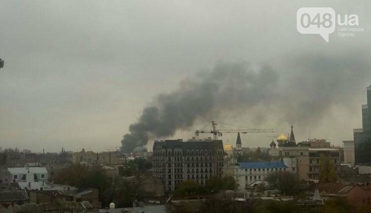 Масштабный пожар в Одессе: Горит кондитерская (ФОТО), фото-1