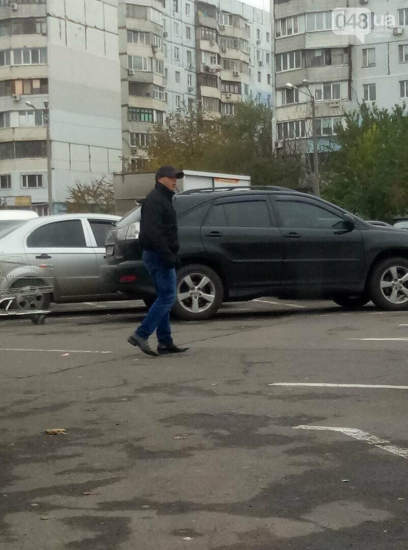 В Одессе потенциального автовора сфотографировали за работой, фото-2