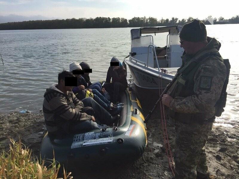 Житель Одесской области пытался переправить по Дунаю трех пакистанцев в Румынию (ФОТО), фото-3