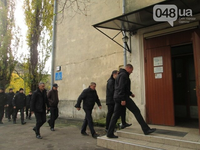 В Одессе полицейские и журналисты сдали кровь для тяжело раненых (ФОТО) , фото-3