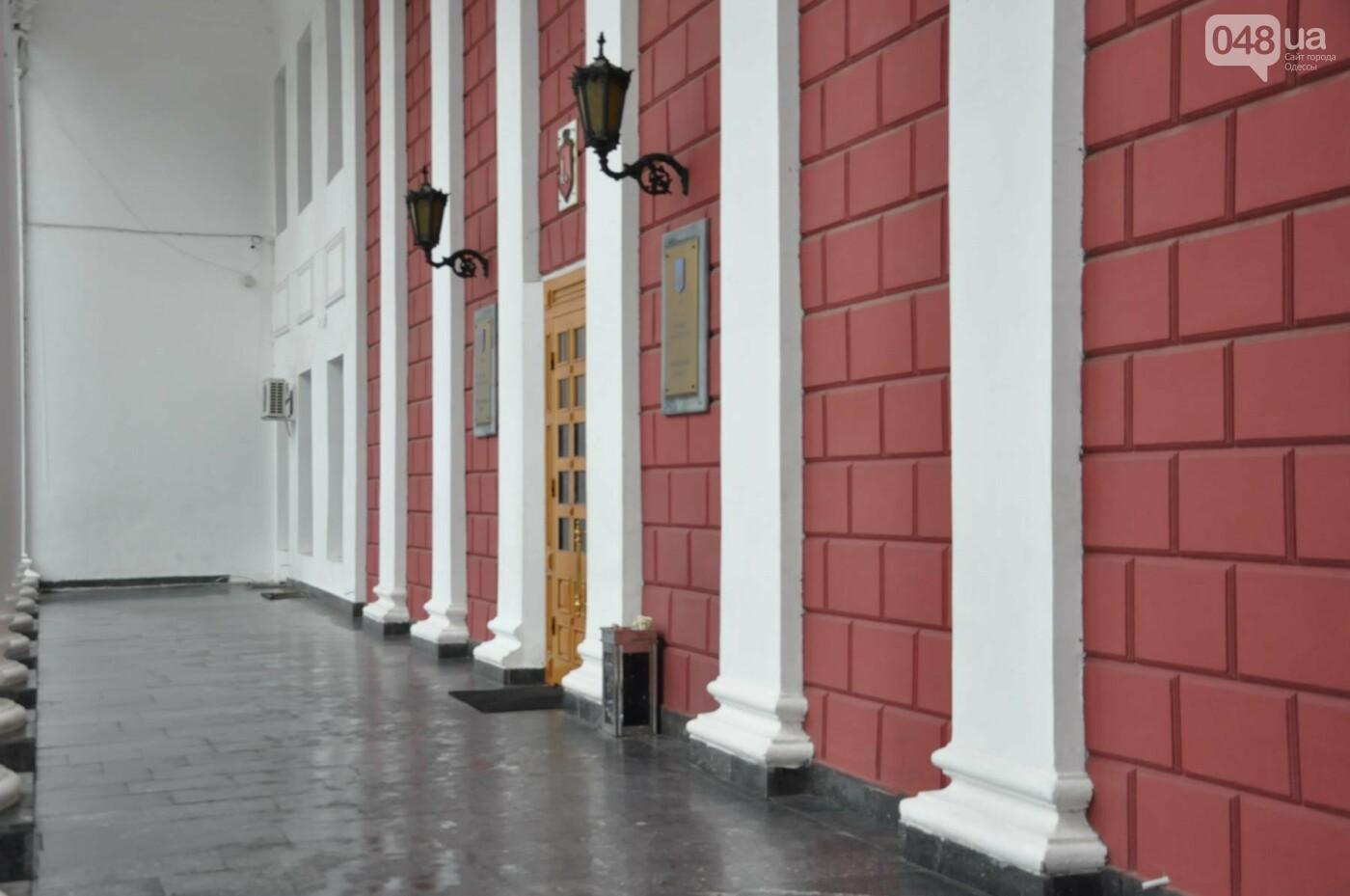 Ворота Летнего театра убрали из-под одесской мэрии (ФОТО), фото-1
