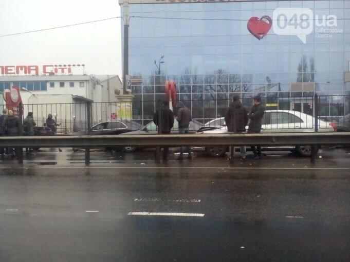 ДТП с 4 автомобилями спровоцировало затор в Одессе (ФОТО), фото-1