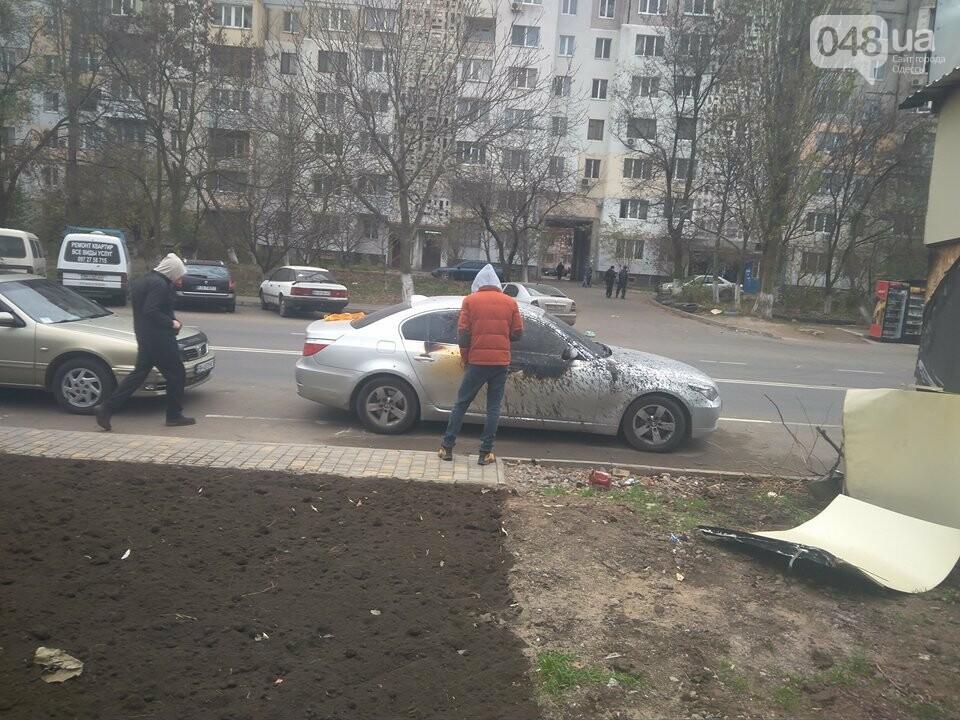 В Одессе неизвестные сожгли магазин и BMW (ФОТО), фото-3