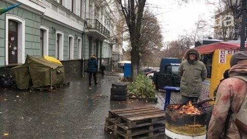 Одесса зажигает: Под прокуратуру привезли шины (ФОТО), фото-5