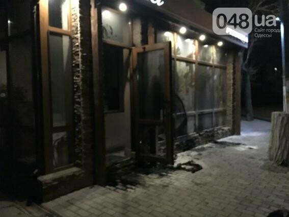 Под Одессой подожгли пиццерию (ФОТО), фото-1