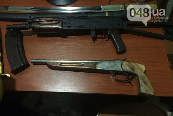 Под Одессой в частном доме обнаружили склад оружия и боеприпасов (ФОТО), фото-1