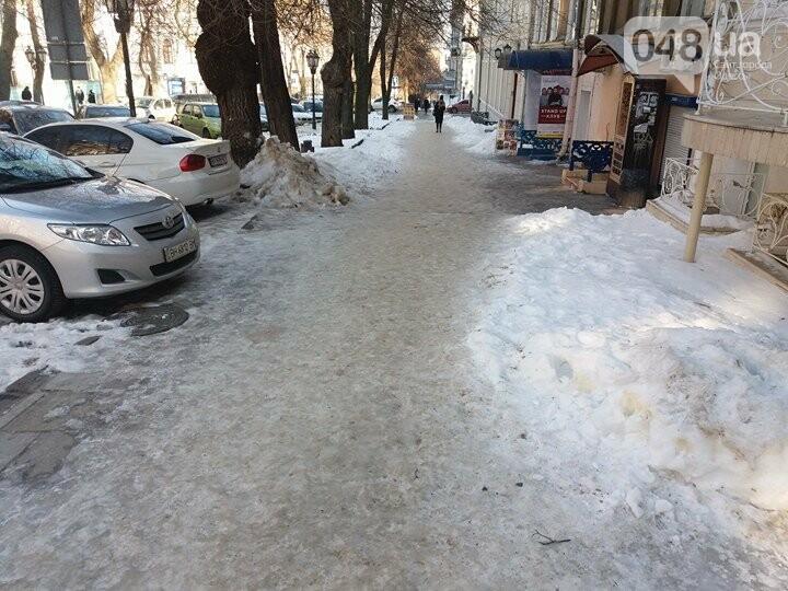 Центр Одессы: грязь, лёд, угрожающие прохожим сосульки (ФОТО, ВИДЕО), фото-1