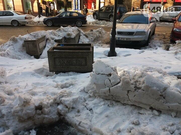 Центр Одессы: грязь, лёд, угрожающие прохожим сосульки (ФОТО, ВИДЕО), фото-2