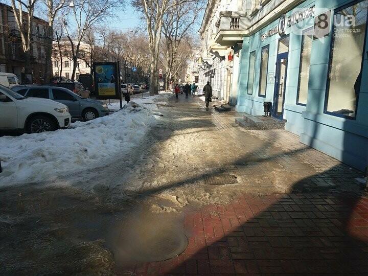Центр Одессы: грязь, лёд, угрожающие прохожим сосульки (ФОТО, ВИДЕО), фото-3