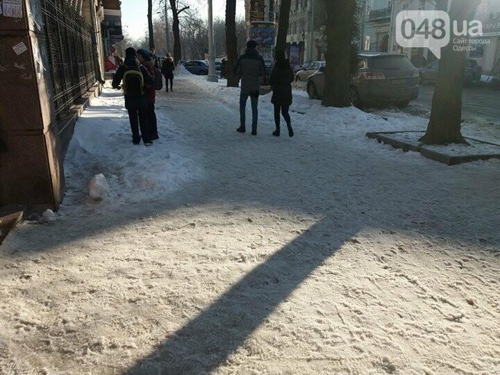 Центр Одессы: грязь, лёд, угрожающие прохожим сосульки (ФОТО, ВИДЕО), фото-4