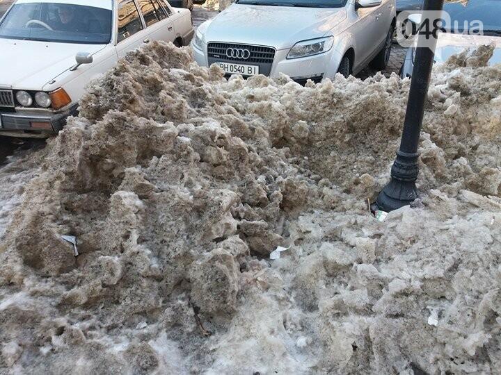 Центр Одессы: грязь, лёд, угрожающие прохожим сосульки (ФОТО, ВИДЕО), фото-26