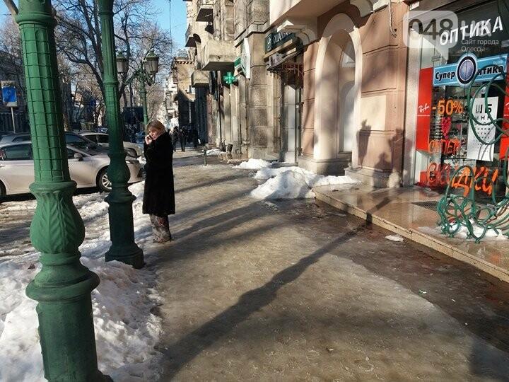 Центр Одессы: грязь, лёд, угрожающие прохожим сосульки (ФОТО, ВИДЕО), фото-5