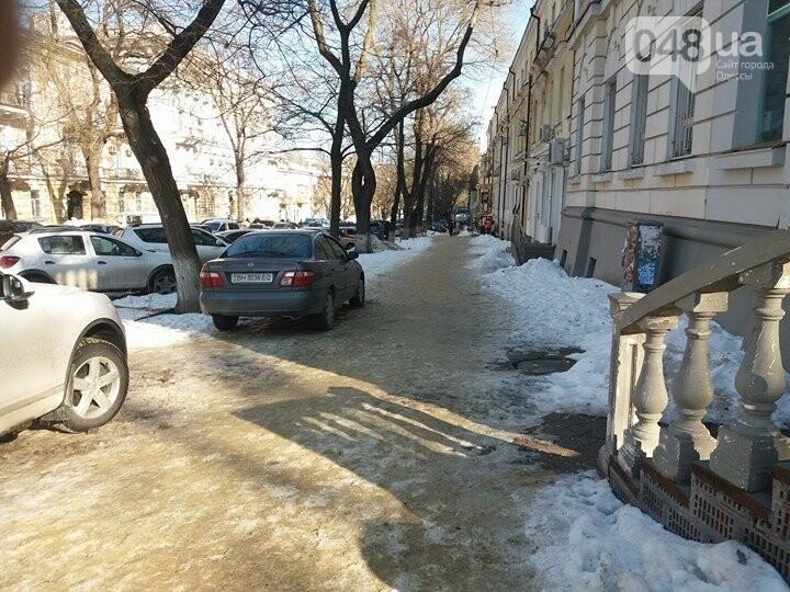Центр Одессы: грязь, лёд, угрожающие прохожим сосульки (ФОТО, ВИДЕО), фото-27