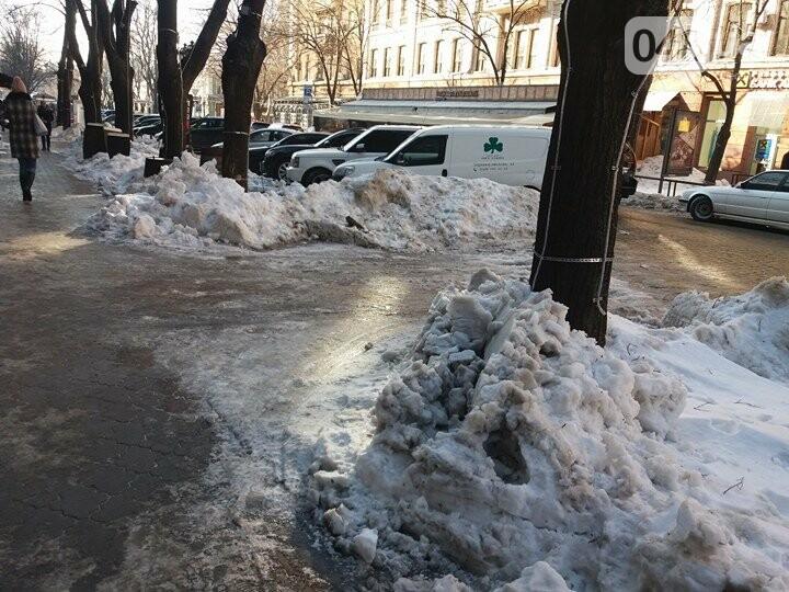 Центр Одессы: грязь, лёд, угрожающие прохожим сосульки (ФОТО, ВИДЕО), фото-10