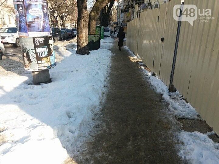 Центр Одессы: грязь, лёд, угрожающие прохожим сосульки (ФОТО, ВИДЕО), фото-12