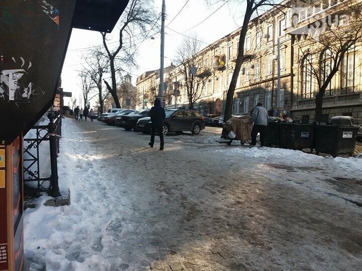 Центр Одессы: грязь, лёд, угрожающие прохожим сосульки (ФОТО, ВИДЕО), фото-13