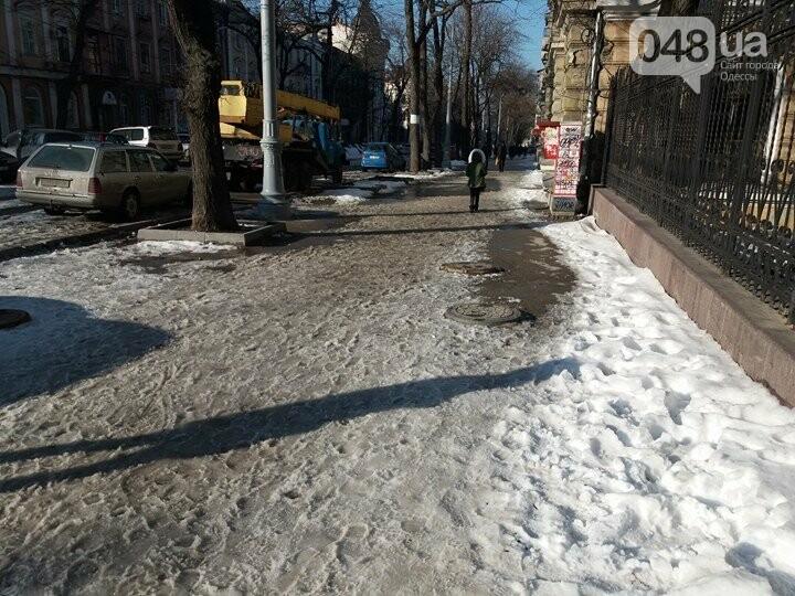 Центр Одессы: грязь, лёд, угрожающие прохожим сосульки (ФОТО, ВИДЕО), фото-29