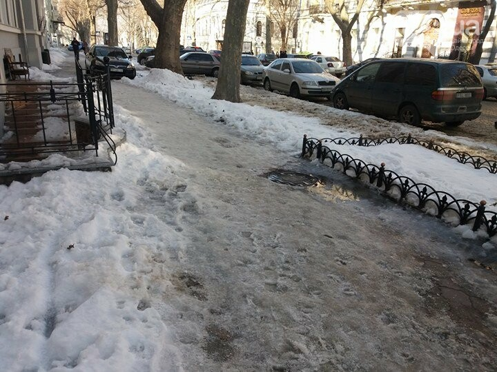 Центр Одессы: грязь, лёд, угрожающие прохожим сосульки (ФОТО, ВИДЕО), фото-14
