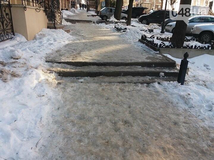 Центр Одессы: грязь, лёд, угрожающие прохожим сосульки (ФОТО, ВИДЕО), фото-20