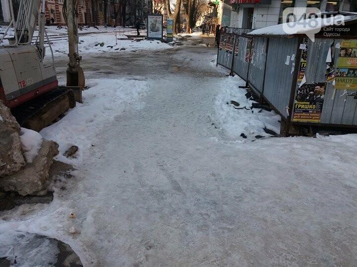 Центр Одессы: грязь, лёд, угрожающие прохожим сосульки (ФОТО, ВИДЕО), фото-22