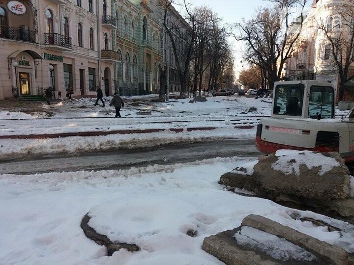 Центр Одессы: грязь, лёд, угрожающие прохожим сосульки (ФОТО, ВИДЕО), фото-24