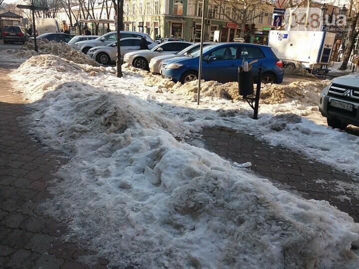 Центр Одессы: грязь, лёд, угрожающие прохожим сосульки (ФОТО, ВИДЕО), фото-33