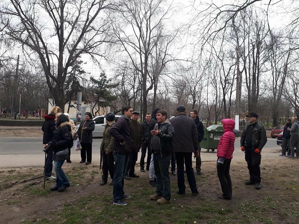 Активисты нашли интересный способ защитить одесские деревья от незаконной вырубки (ФОТО), фото-15