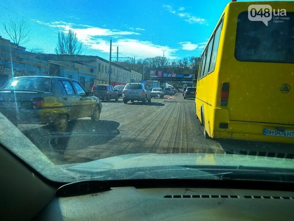 3 часа на работу: Дорожные работы полностью парализовали сообщение центра Одессы с Котовского (ФОТО), фото-4