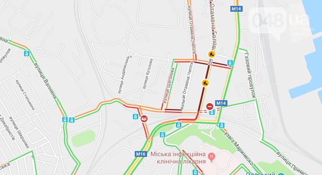 3 часа на работу: Дорожные работы полностью парализовали сообщение центра Одессы с Котовского (ФОТО), фото-2