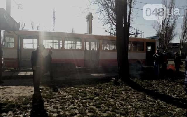 На одесской Пересыпи на ходу задымился трамвай (ФОТО), фото-1