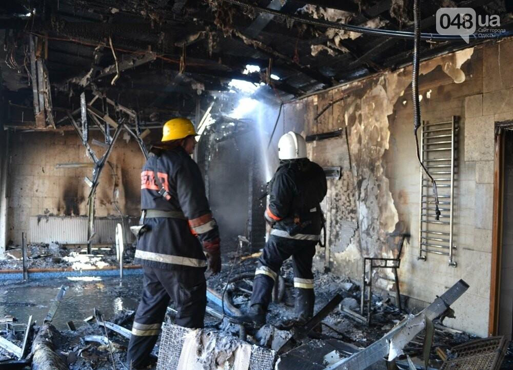 В одесской Аркадии сгорела фешенебельная баня (ФОТО, ВИДЕО), фото-3