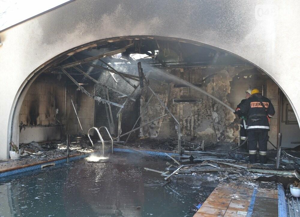 В одесской Аркадии сгорела фешенебельная баня (ФОТО, ВИДЕО), фото-1