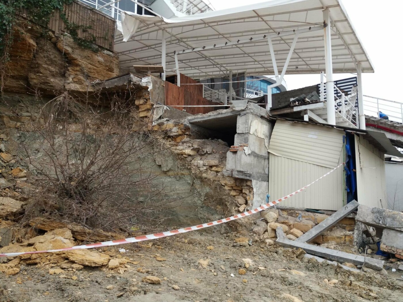 «Работы» на одесском Фонтане выглядят хуже стихийного бедствия (ФОТО, ВИДЕО) , фото-1