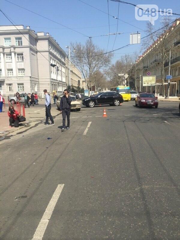 В центре Одессы перевернулась на крышу машина спасателей (ФОТО, ВИДЕО), фото-2