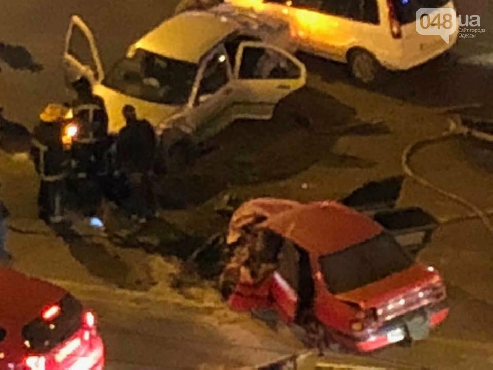 На одесском Таирова произошла жуткая авария (ФОТО) , фото-2