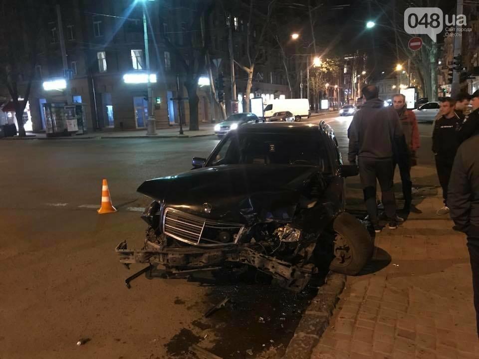 Битва Мерседесов: В центре Одессы случилась эпическая авария на пару миллионов (ФОТО), фото-2