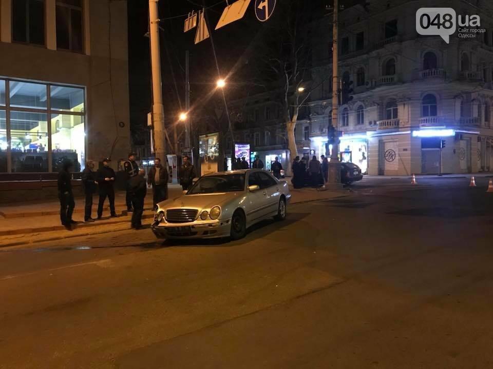 Битва Мерседесов: В центре Одессы случилась эпическая авария на пару миллионов (ФОТО), фото-1