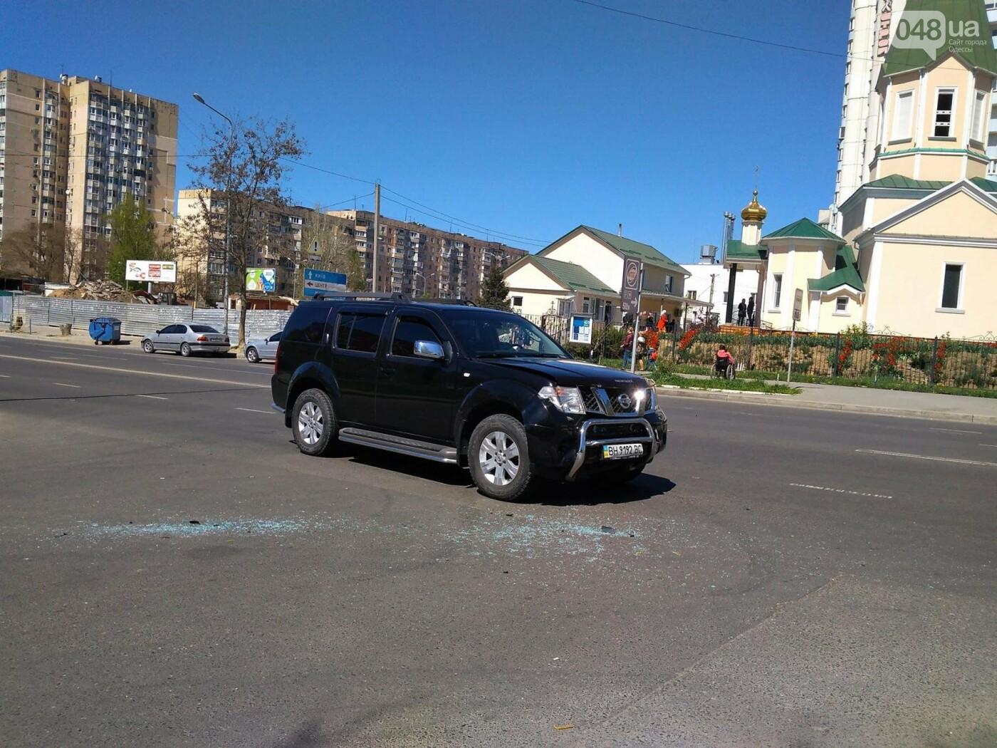 На Котовского в Одессе огромный джип протаранил маленькую женскую машинку (ФОТО), фото-2