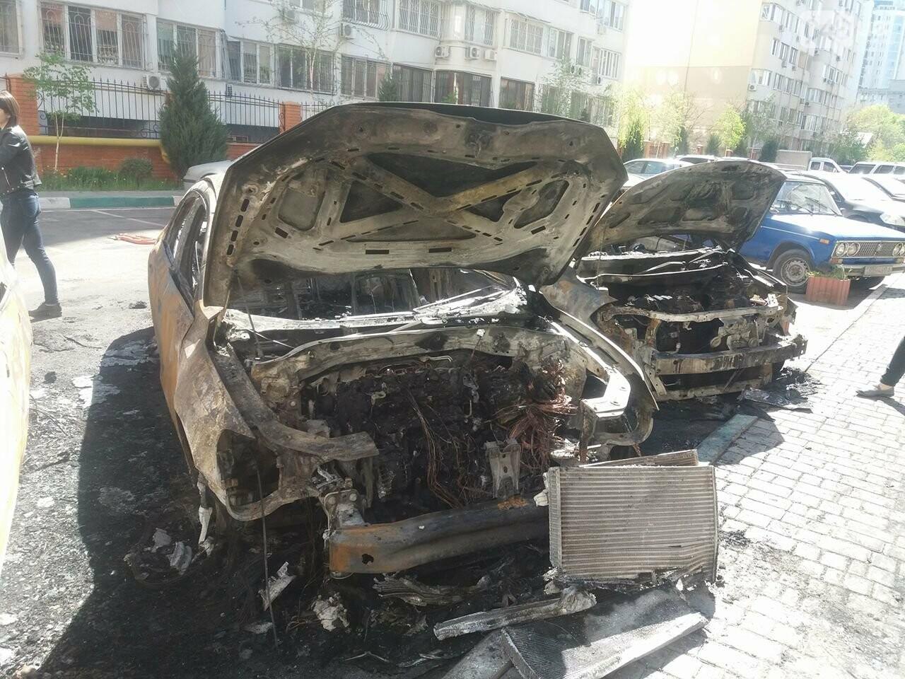 Сгоревшие авто на утро после пожара: что говорят одесситы (ФОТО, ВИДЕО), фото-9