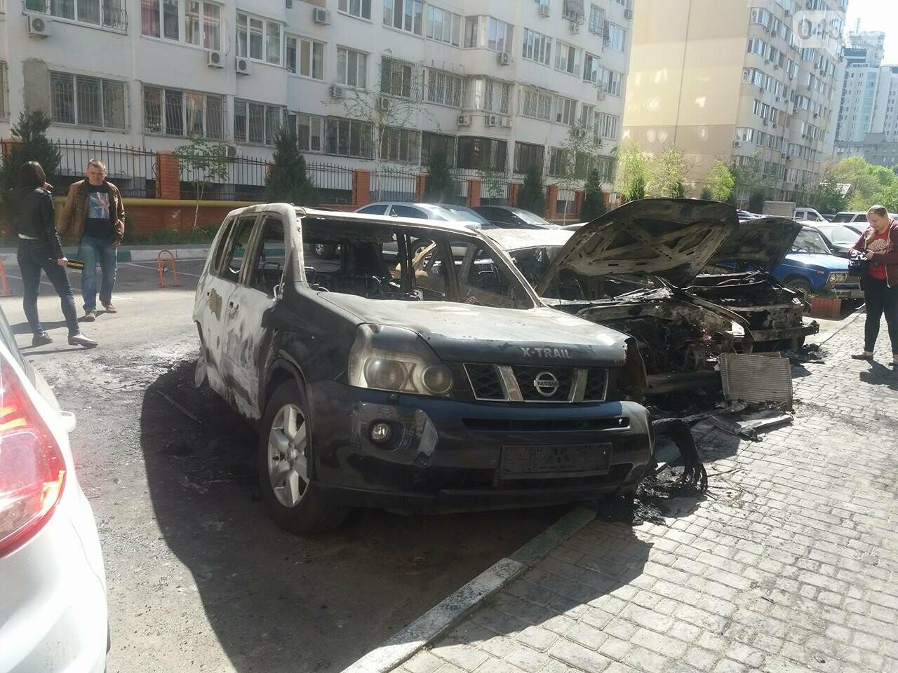 Сгоревшие авто на утро после пожара: что говорят одесситы (ФОТО, ВИДЕО), фото-10