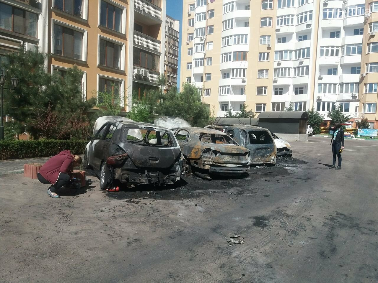 Сгоревшие авто на утро после пожара: что говорят одесситы (ФОТО, ВИДЕО), фото-12