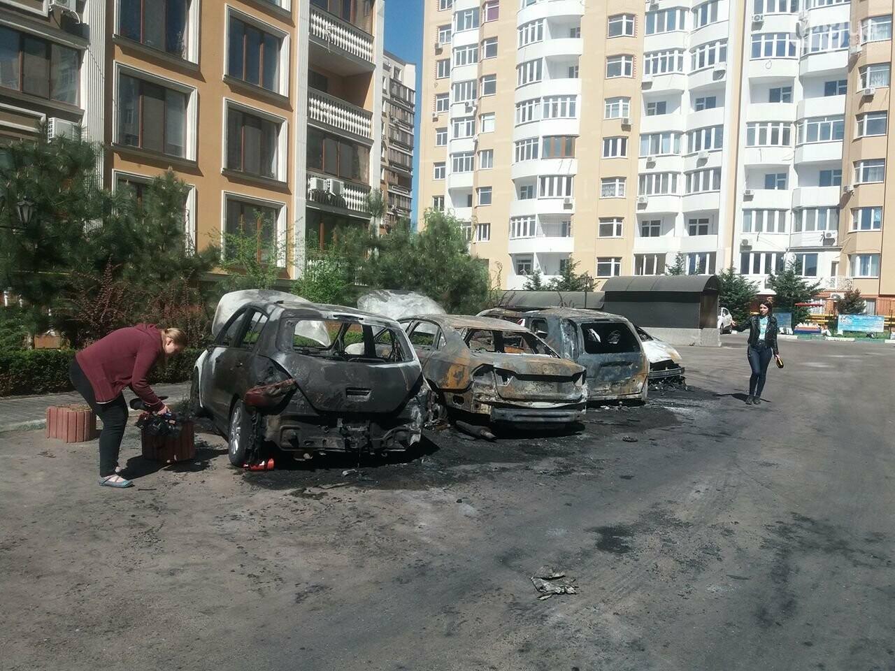 Сгоревшие авто на утро после пожара: что говорят одесситы (ФОТО, ВИДЕО), фото-13