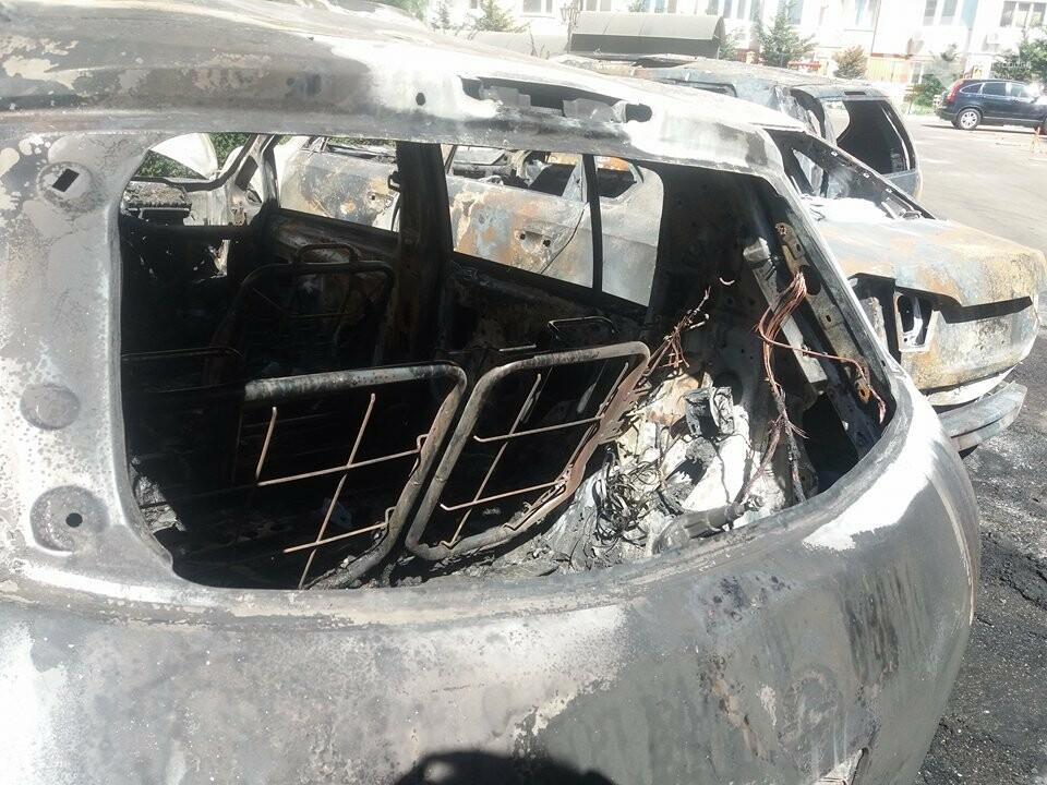 Сгоревшие авто на утро после пожара: что говорят одесситы (ФОТО, ВИДЕО), фото-2