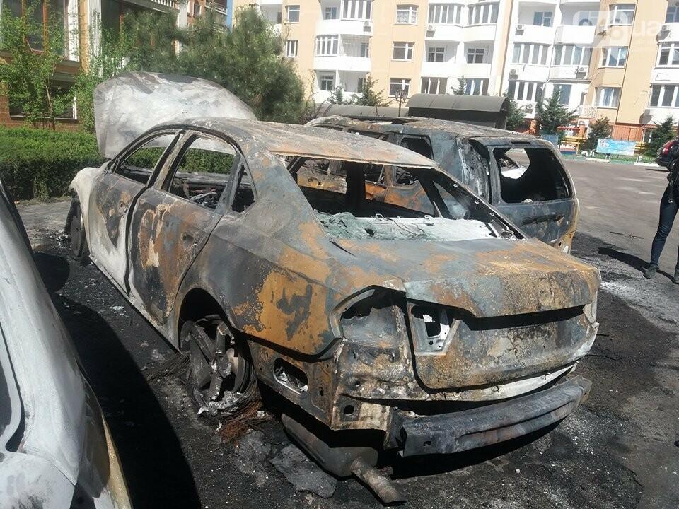 Сгоревшие авто на утро после пожара: что говорят одесситы (ФОТО, ВИДЕО), фото-3