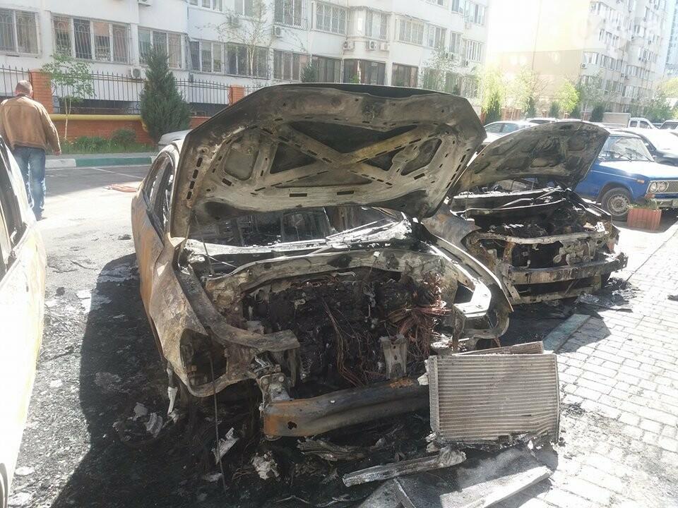 Сгоревшие авто на утро после пожара: что говорят одесситы (ФОТО, ВИДЕО), фото-8