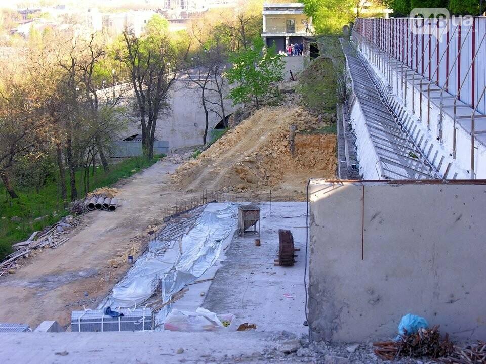 В центре Одессы демонтируют бесхозный древний ресторан (ФОТО), фото-2